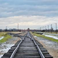 3 podcast episodes about experiences at Auschwitz